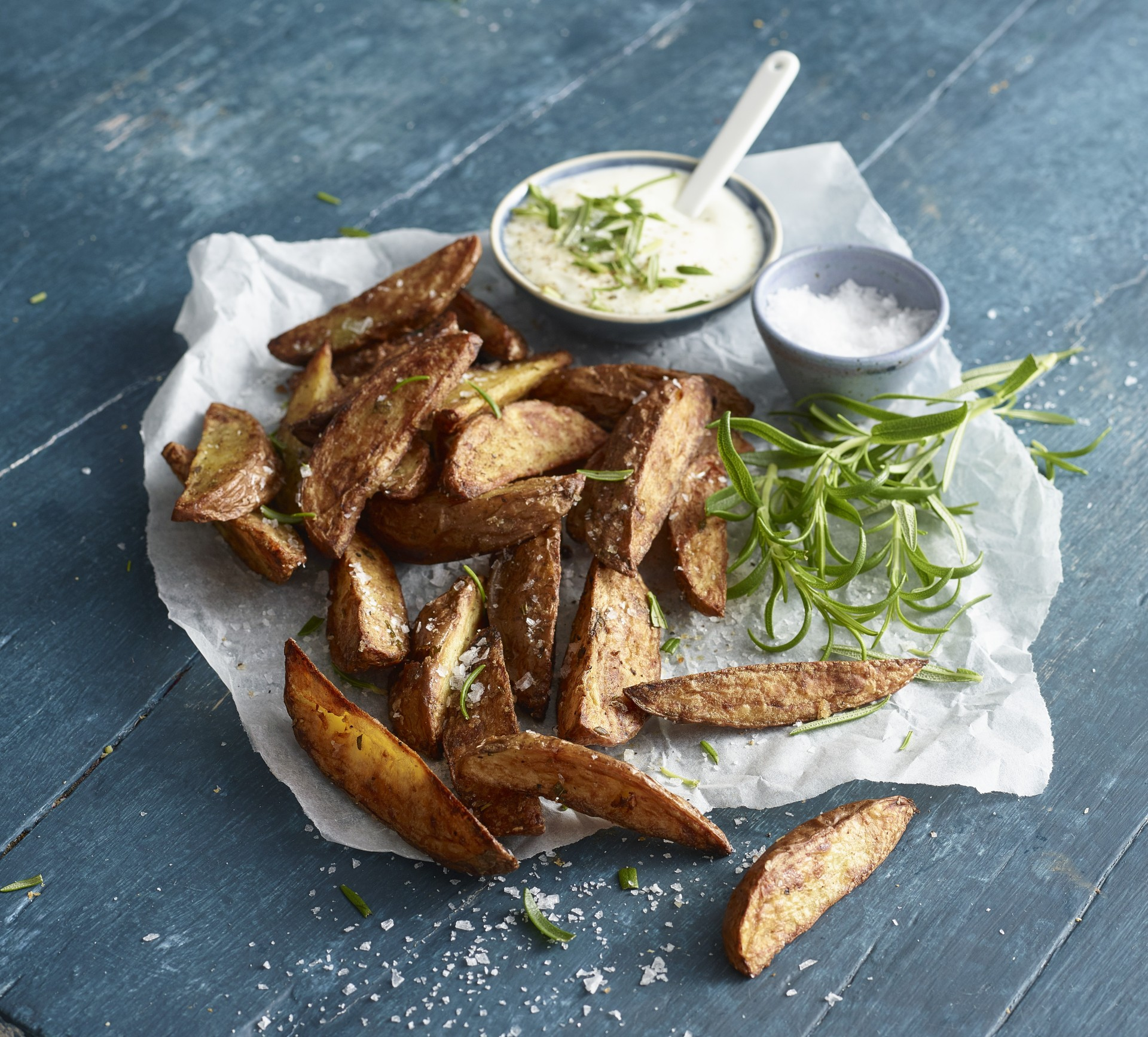 potato wedges with side